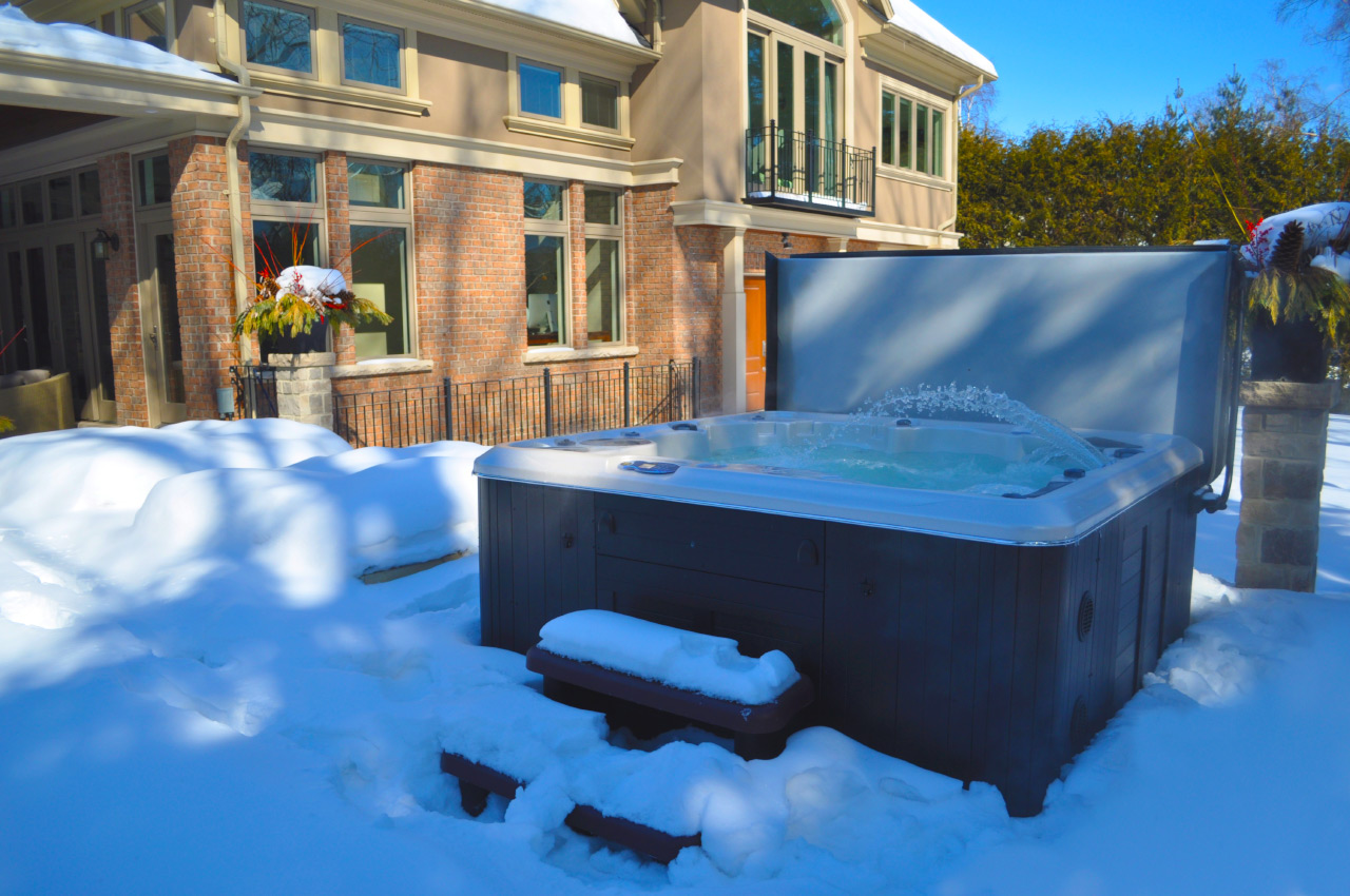 9 Ways To Reduce Your Hot Tub Energy Costs - Brady\'s Pool & Spa