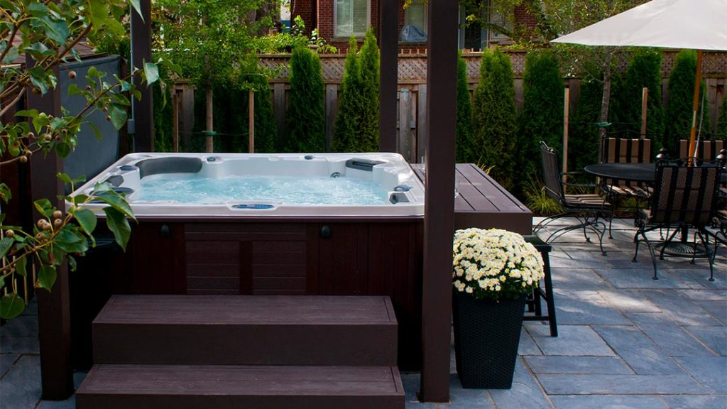 A hot tub maintenance schedule for people in Ottawa ON