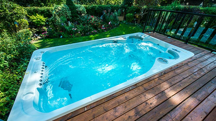 Pools Vs Swim Spas Which One Should You Choose Brady S Pool Spa