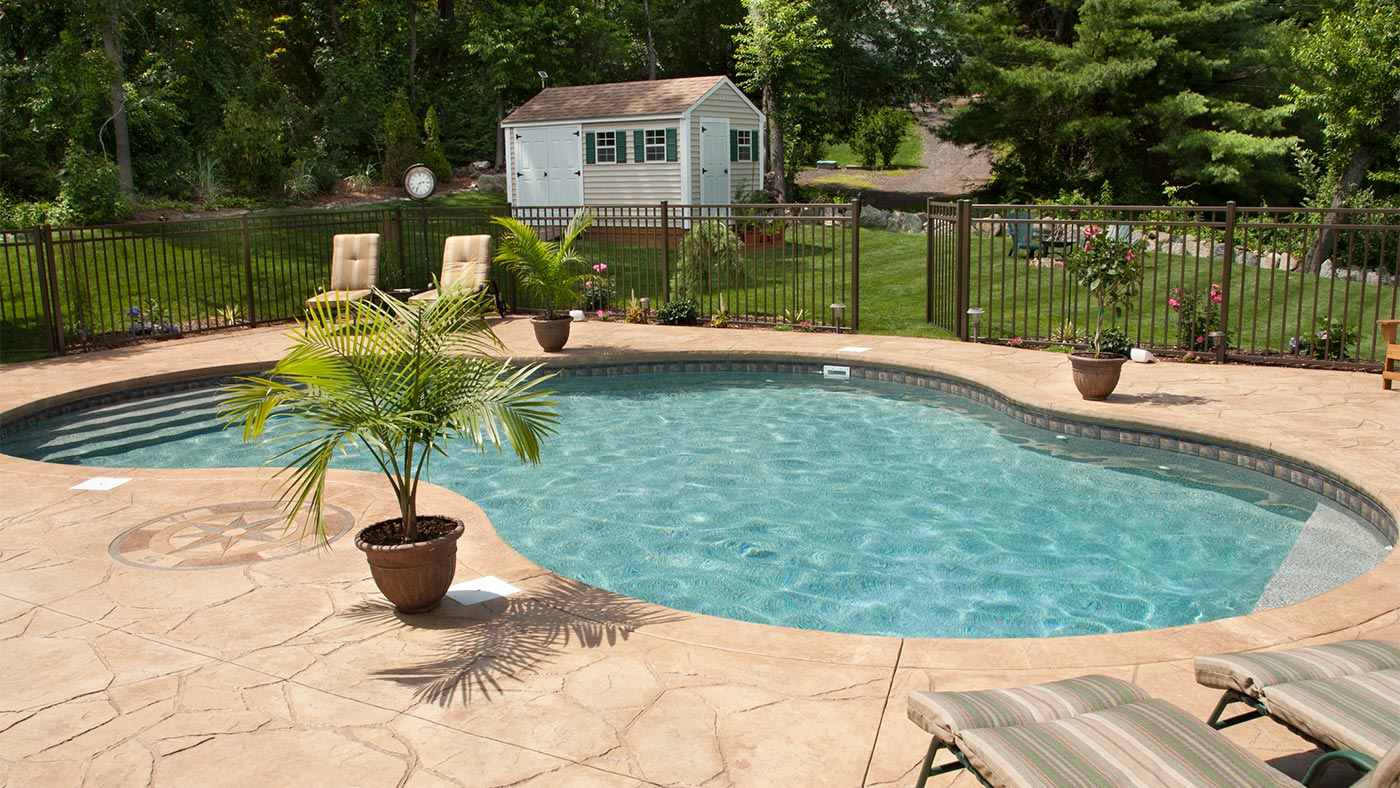 Salt Water Pool Facts - Brady\'s Pool & Spa